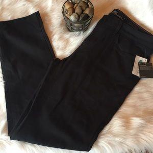 Eddie Bauer • black pants • NWT • 16 • curvy •